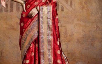 Feel Like a Fashionista In a Graceful Silk Lehenga!