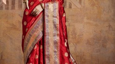 Feel Like a Fashionista In a Graceful Silk Lehenga!